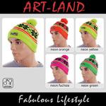 Wunderschöne Wintermütze mit Bommel und in verschiedenen Neon Farben.